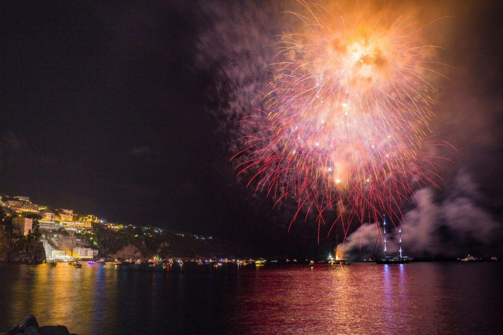 Fuochi d'artificio di capodanno about Sorrento