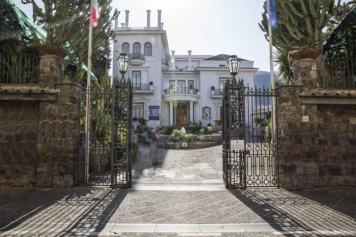 Ingresso Villa Fiorentino - About Sorrento